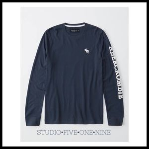 A&F • Long Sleeve Logo Crew Tee • In Navy/White